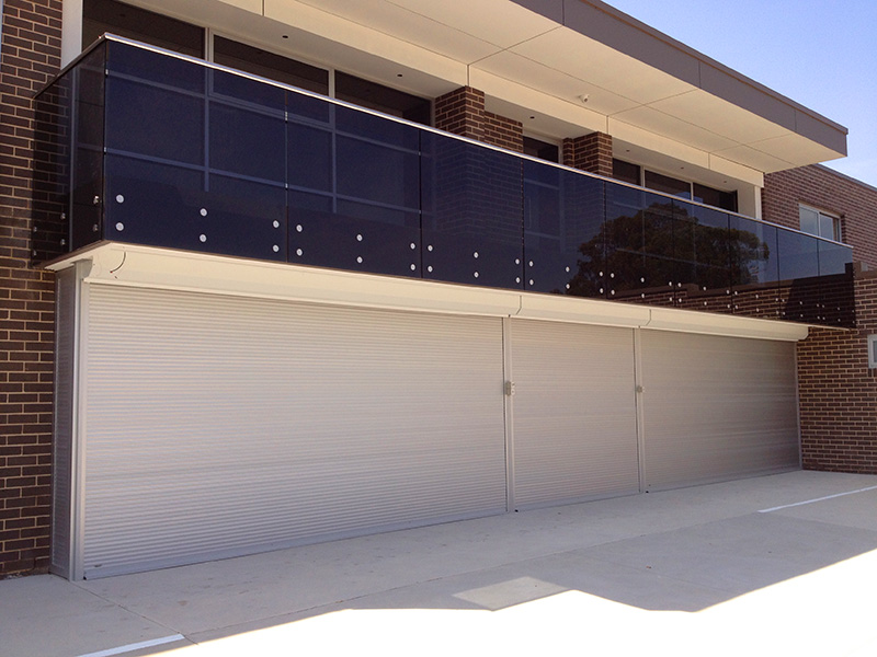 Exceptionnel Extra Wide Roller Shutters 03